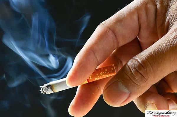 Hút thuốc lá gây ảnh hưởng xấu đến quá trình tăng chiều cao