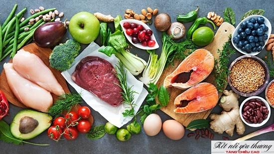 Một chế độ ăn uống cân bằng giúp xương có đủ dưỡng chất để phát triển chiều dài