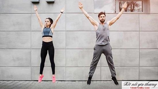 Bài tập nhảy cao tác động lực lớn đến chân, kích thích các lớp sụn đầu xương phát triển