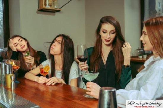Rượu bia có thể gây mất cân bằng Canxi và cản trở quá trình sản xuất vitamin D