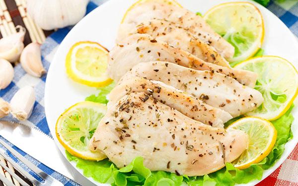 uc-ga-giau-protein-giup-tang-chieu-cao