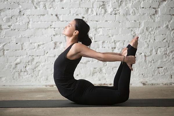 tap-yoga-thuong-xuyen-giup-cai-thien-voc-dang