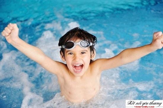 Bơi lội giúp tăng chiều cao hiệu quả cho trẻ 11 tuổi