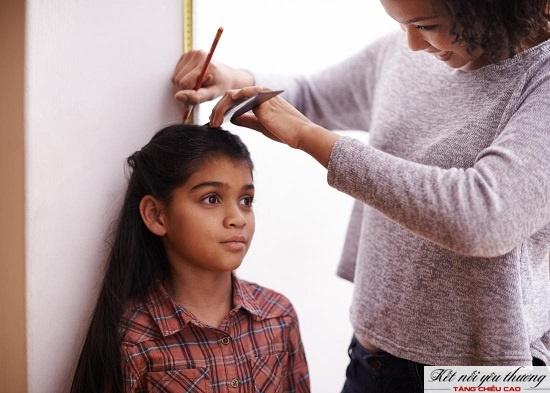 Chiều cao chuẩn của trẻ 9 tuổi là 133.3cm đối với nam và nữ