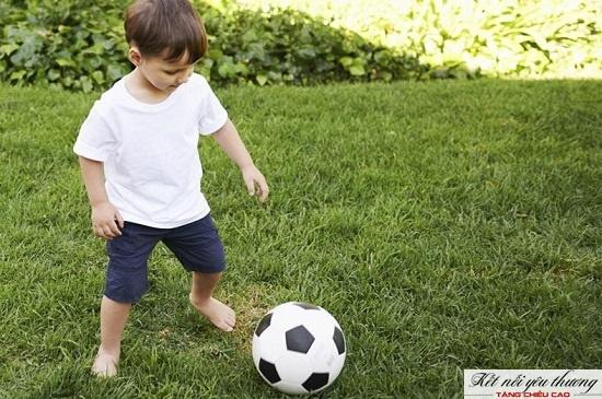 Tăng chiều cao cho trẻ 4 tuổi bằng cách vận động.