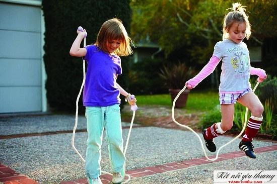 Nhảy dây giúp trẻ 4 tuổi tăng trưởng chiều cao tốt