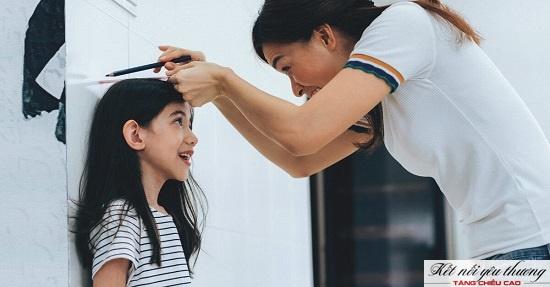 Từ tuổi 12 trở đi chiều cao của con có thể tăng thêm 8 - 10cm/năm