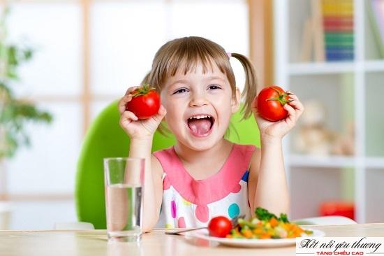 Cha mẹ nên kết hợp các loại rau củ quả nhiều màu sắc để kích thích khả năng ăn rau của bé