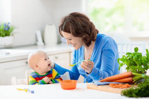 Tăng chiều cao cho bé dưới 1 tuổi bằng cách ăn dặm dưỡng chất