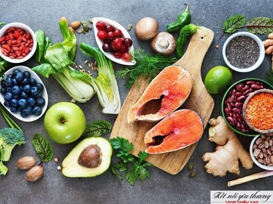 Ăn uống đủ chất để phát triển thể chất tối ưu cả về chiều cao và cân nặng
