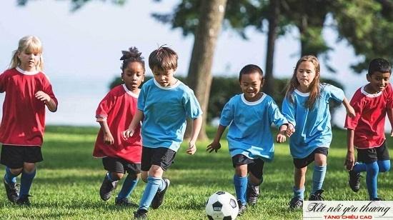 Vận động có lợi cho sức khỏe và sự phát triển chiều cao của trẻ giai đoạn 7 tuổi