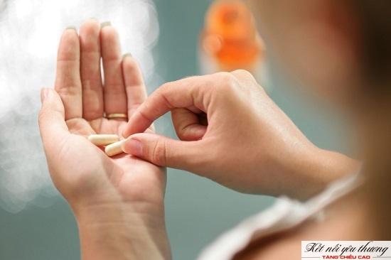 Uống 2 - 3 viên uống bổ sung mỗi ngày để bù đắp lượng chất thiếu hụt