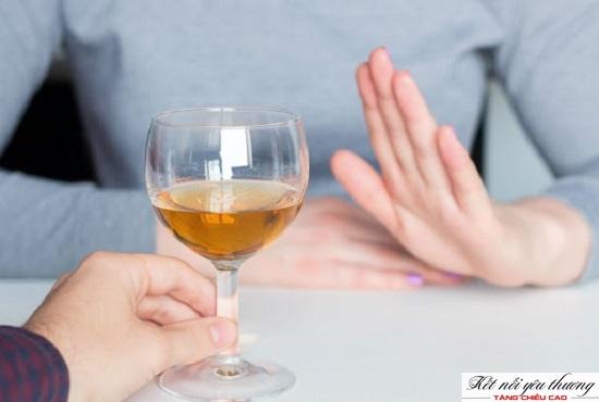 Loại bỏ thức uống có cồn ra khỏi thói quen sinh hoạt thường ngày