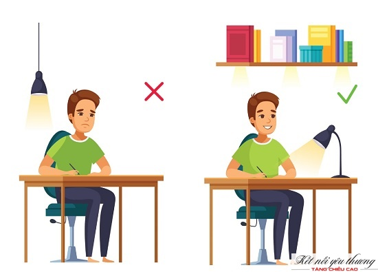 Ngồi thẳng lưng giúp trẻ tránh bị cong vẹo cột sống