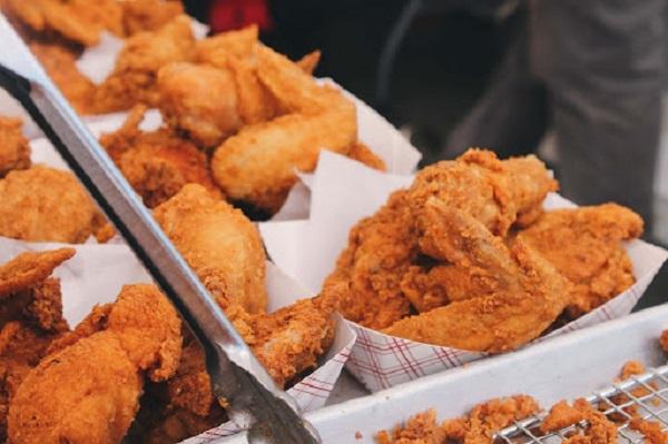 Thức ăn nhanh thực phẩm hạn chế phát triển chiều cao của trẻ
